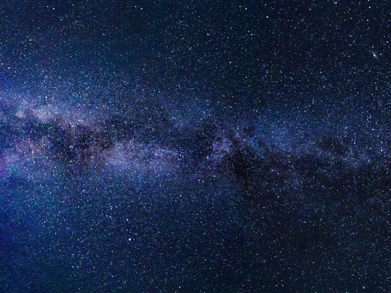 Sous les étoiles exactement
